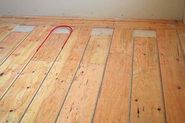 Как сделать теплый пол в деревянном доме своими руками 72